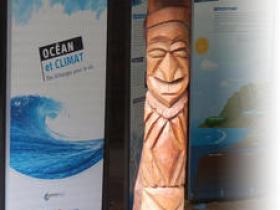 L'exposition pédagogique 'Océan et climat : des échanges pour la vie' au Centre culturel Tjibaou, Nouvelle-Calédonie, 2012. © IRD