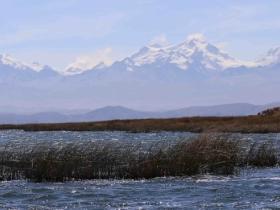 Lac Titicaca et Cordilière Royale. photo Xavier Lazzaro